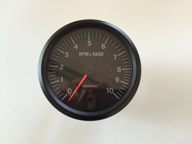 Rev counter with shiftlight